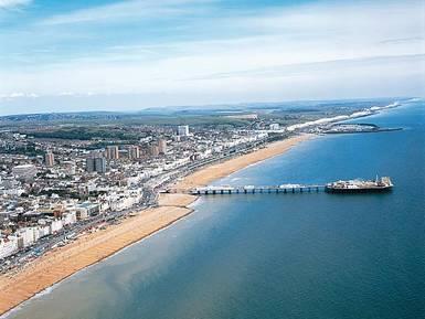 Découvrez la ville de Brighton – station balnéaire et ville universitaire sur la côte sud de l'Angleterre